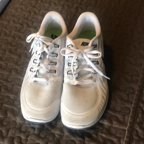 Men's Nike Free run 5.0 white and black sole